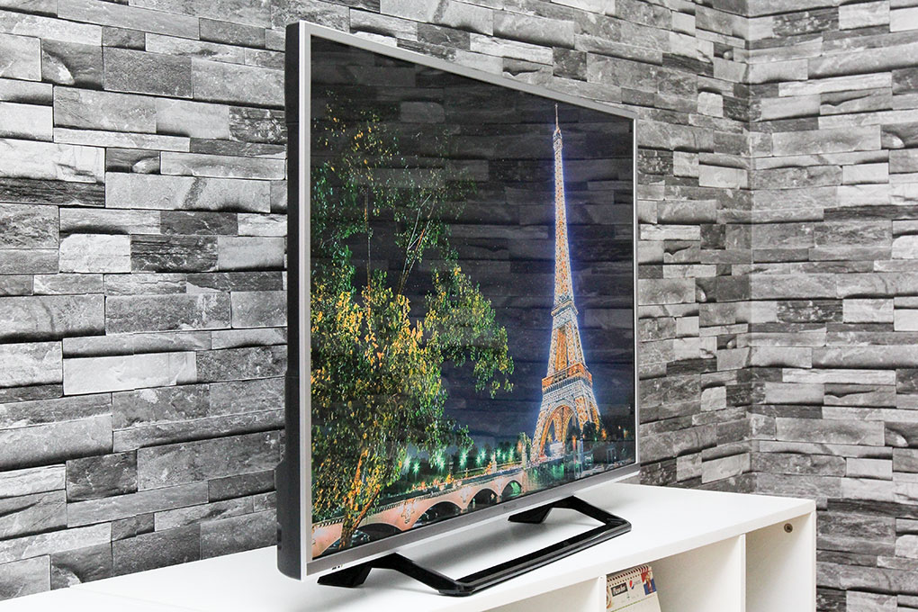 Smart Tivi Panasonic 43 inch TH-43CS630V