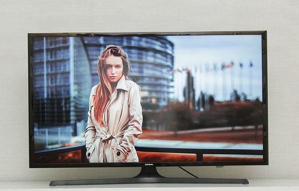Tivi Samsung 40J5000